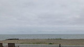 海が見えるカフェでランチ